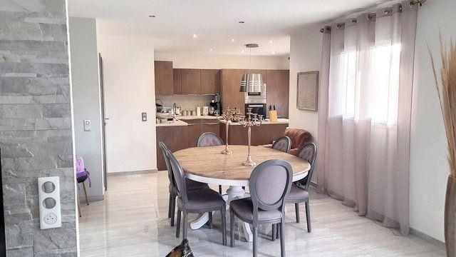 Maison à vendre 5 120m2 à Attignat vignette-6