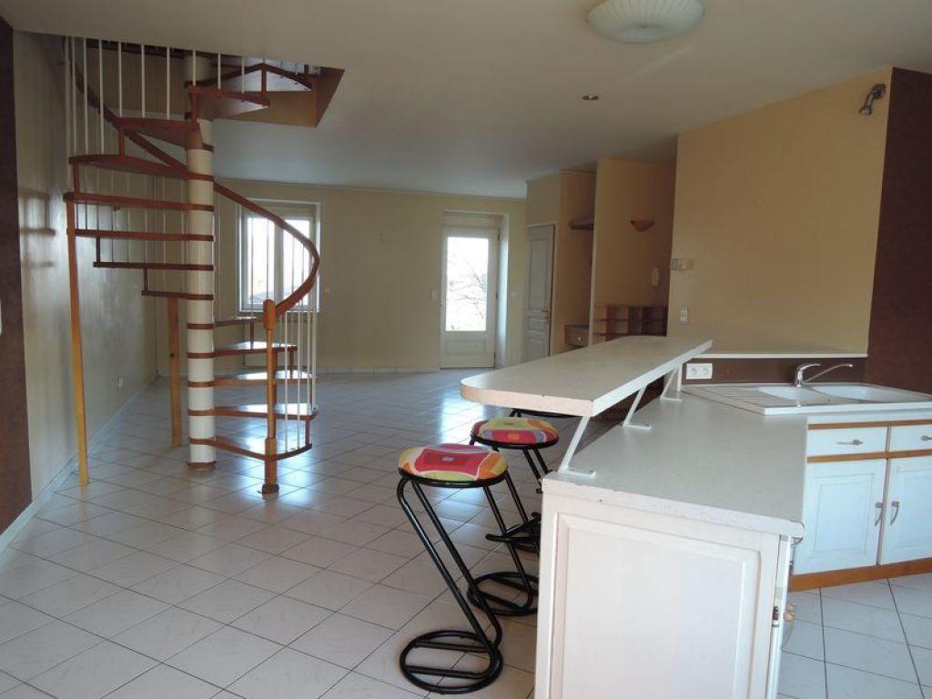 Appartement à vendre 5 110m2 à Tavaux vignette-1