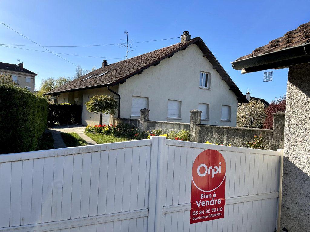 Maison à vendre 7 139m2 à Dole vignette-1