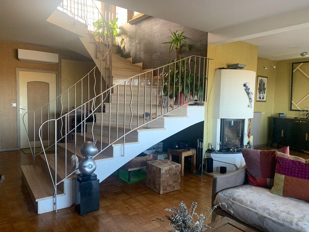 Maison à vendre 7 225m2 à Dole vignette-5