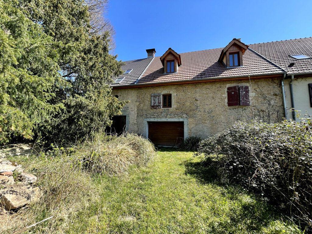 Maison à vendre 0 226m2 à Montmirey-la-Ville vignette-1
