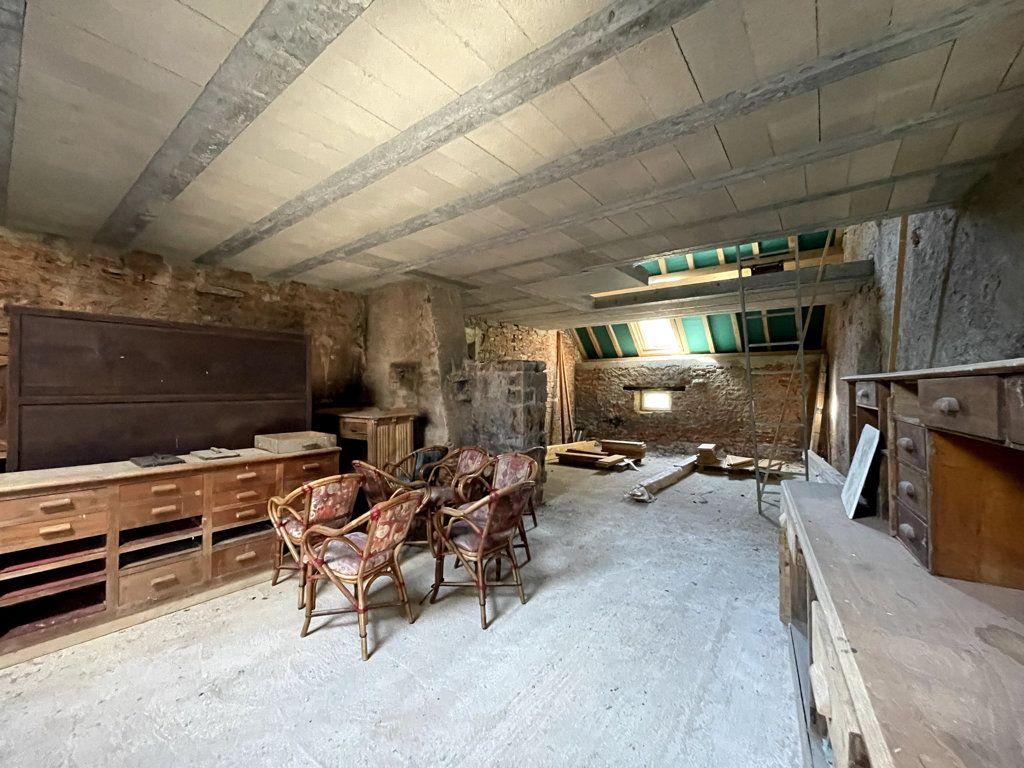 Maison à vendre 0 226m2 à Montmirey-la-Ville vignette-3