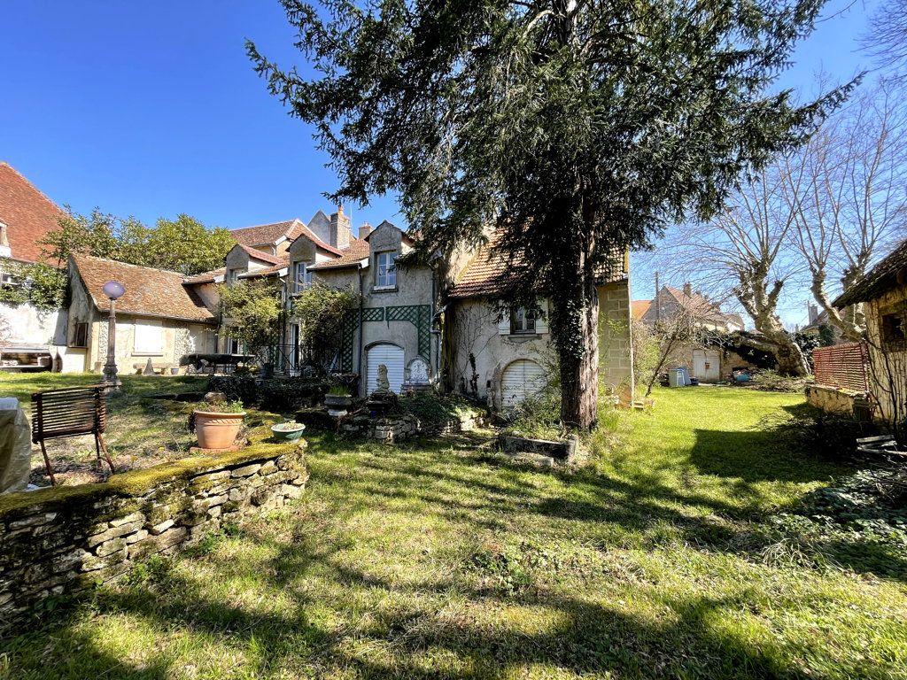 Maison à vendre 7 165m2 à Montmirey-la-Ville vignette-1