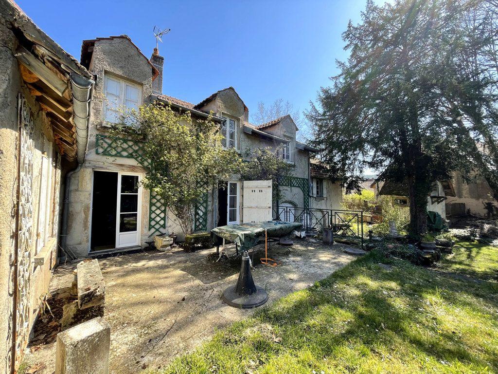 Maison à vendre 7 165m2 à Montmirey-la-Ville vignette-5