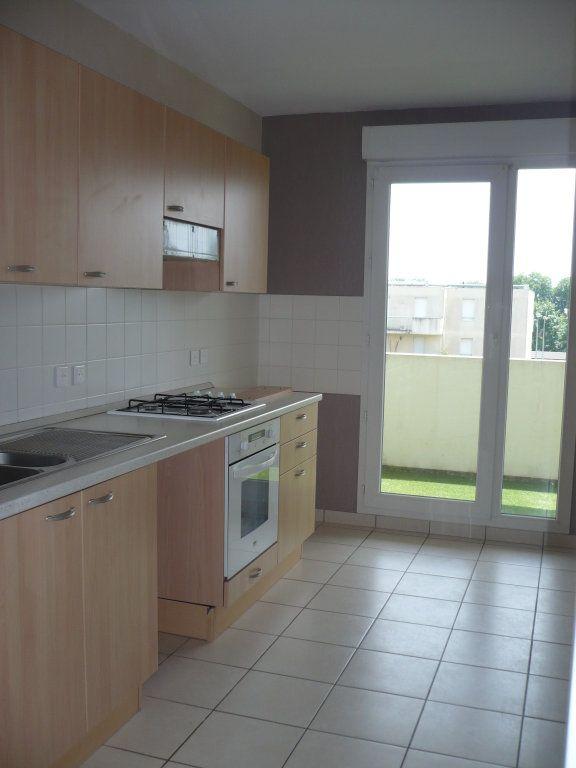 Appartement à louer 3 70.87m2 à Dijon vignette-2