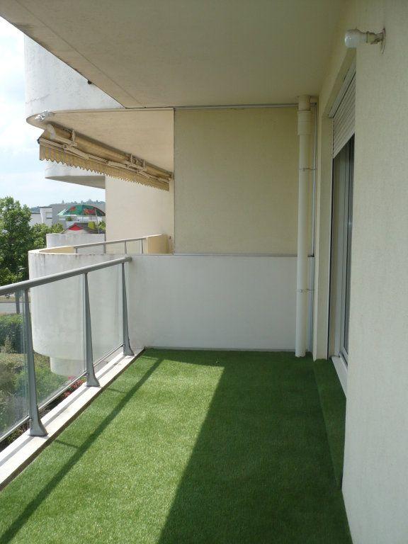 Appartement à louer 3 70.87m2 à Dijon vignette-3