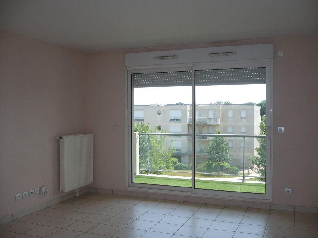Appartement à louer 3 70.87m2 à Dijon vignette-4