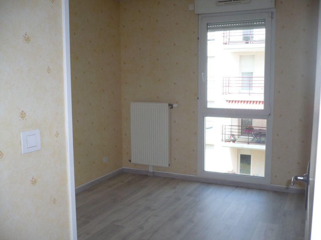 Appartement à louer 3 70.87m2 à Dijon vignette-5