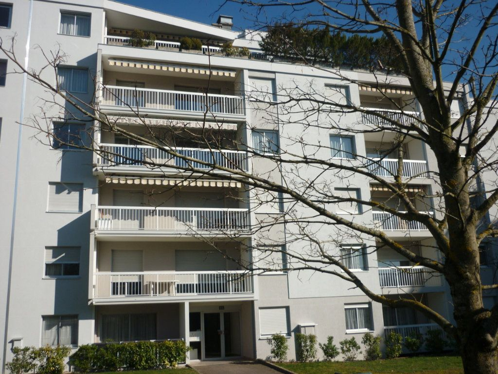 Appartement à louer 2 29.5m2 à Dijon vignette-1