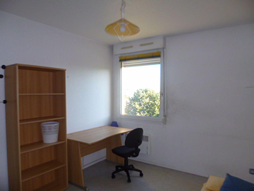 Appartement à louer 1 18.5m2 à Dijon vignette-2