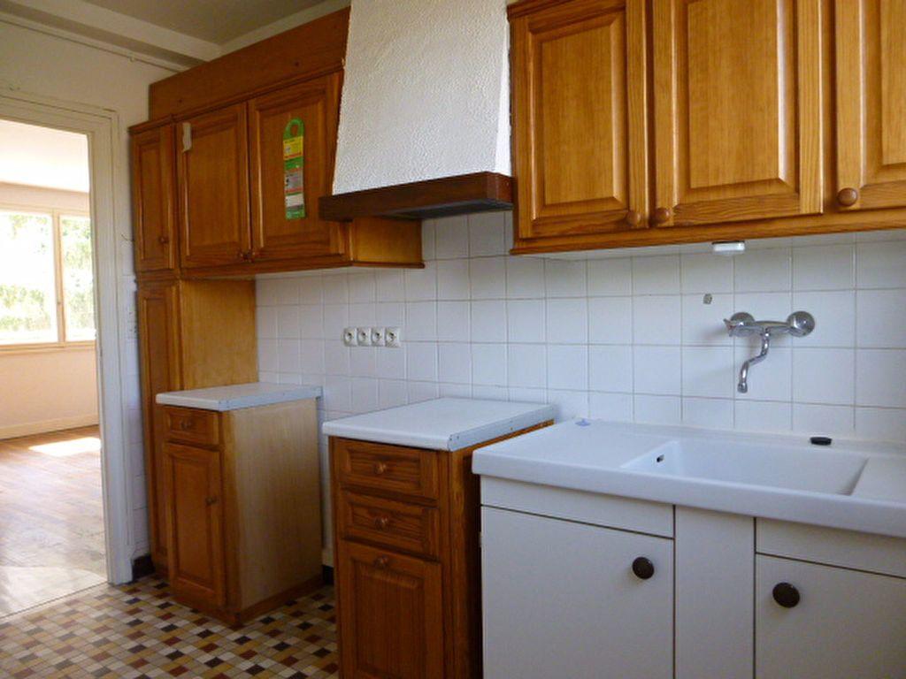 Appartement à louer 3 57m2 à Dijon vignette-3