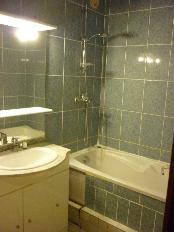 Appartement à louer 3 53.36m2 à Quetigny vignette-3