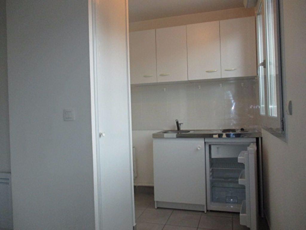 Appartement à louer 1 26m2 à Genlis vignette-2