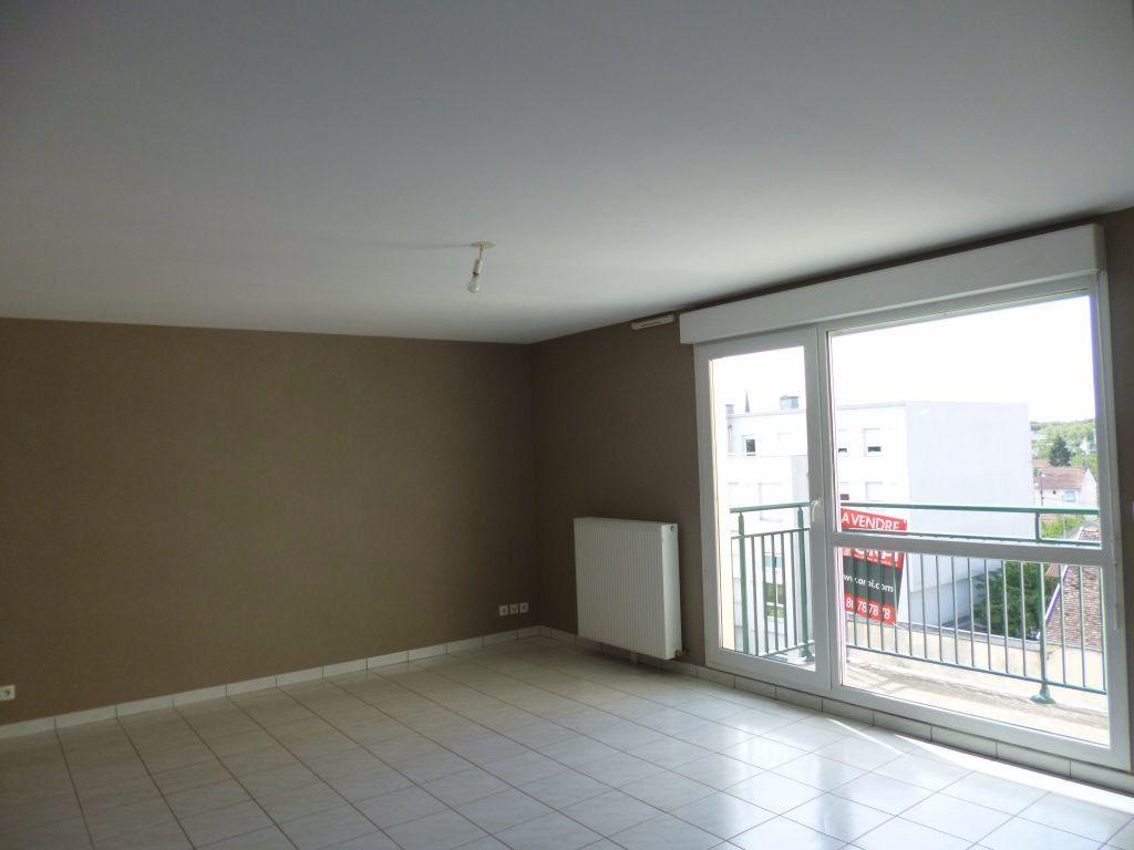 Appartement à louer 3 75m2 à Dijon vignette-2