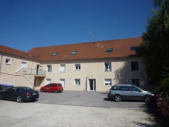 Appartement à louer 2 57m2 à Genlis vignette-1