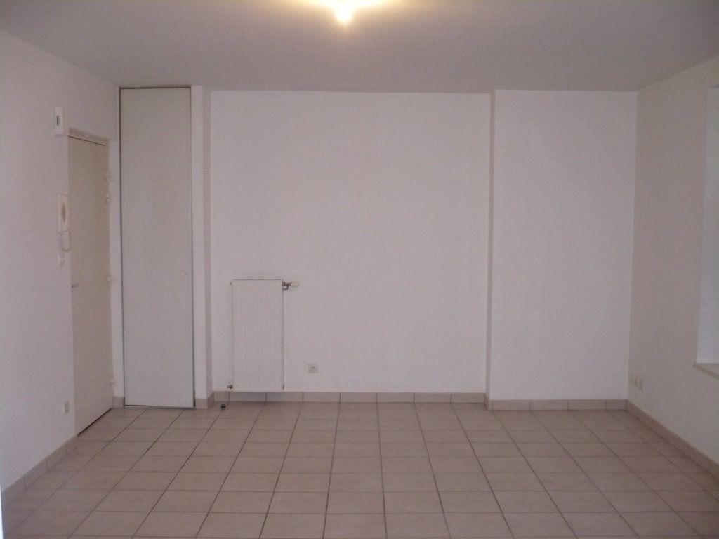 Appartement à louer 2 57m2 à Genlis vignette-3