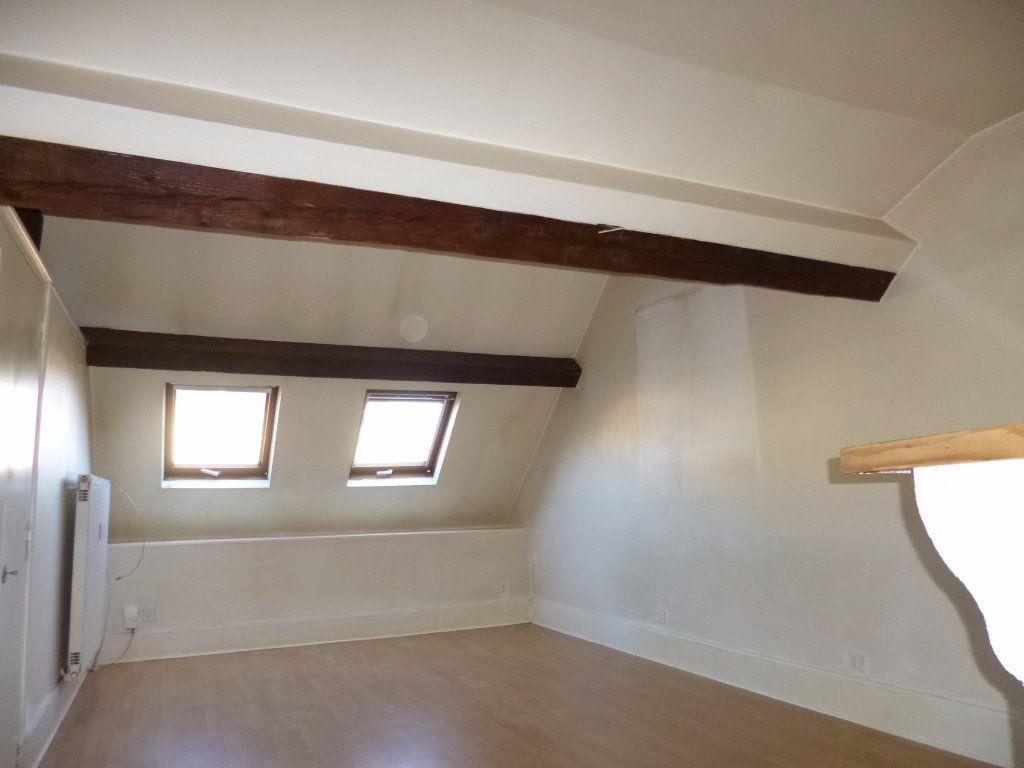 Appartement à louer 2 57.9m2 à Dijon vignette-3