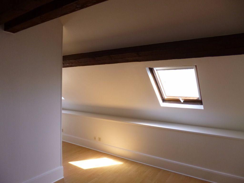 Appartement à louer 2 57.9m2 à Dijon vignette-5