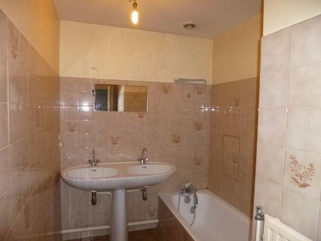 Appartement à louer 2 57.9m2 à Dijon vignette-7