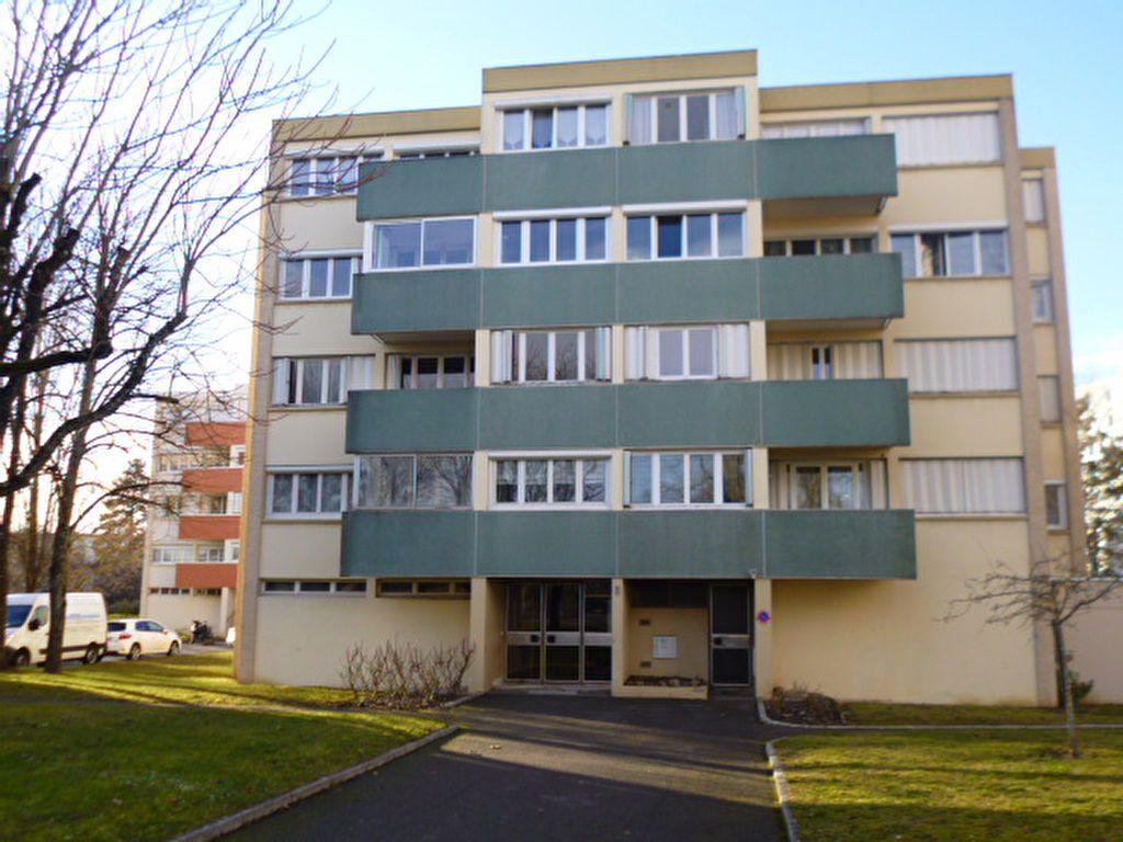 Appartement à louer 2 55.47m2 à Dijon vignette-1