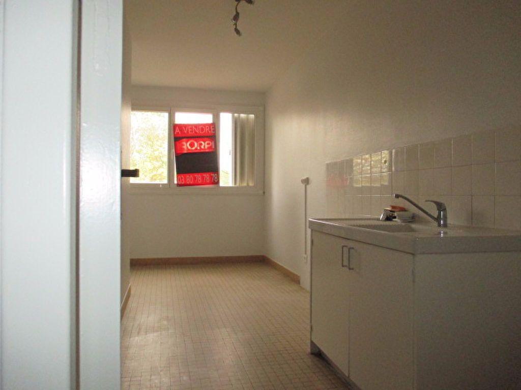 Appartement à louer 2 55.47m2 à Dijon vignette-2