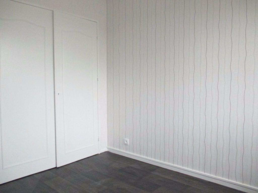 Appartement à louer 2 55.47m2 à Dijon vignette-3