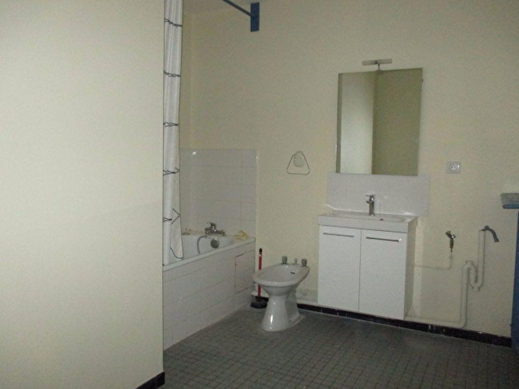 Appartement à louer 2 55.47m2 à Dijon vignette-5