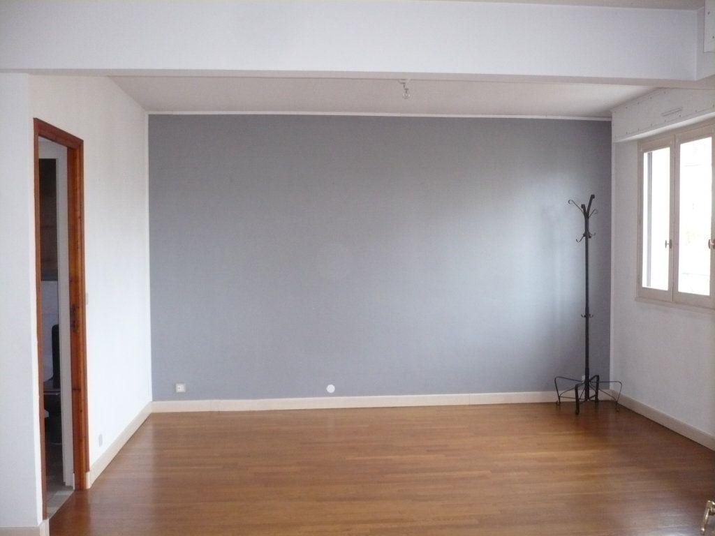 Appartement à louer 4 89m2 à Dijon vignette-2
