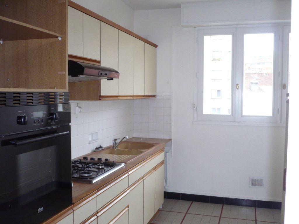 Appartement à louer 4 89m2 à Dijon vignette-3
