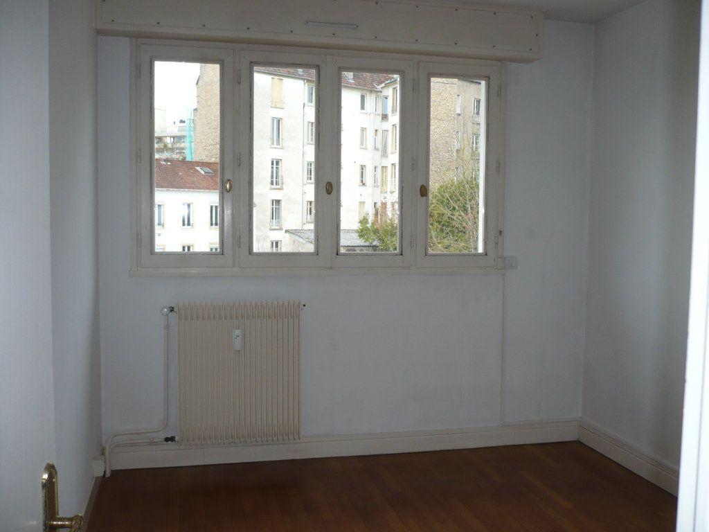 Appartement à louer 4 89m2 à Dijon vignette-5