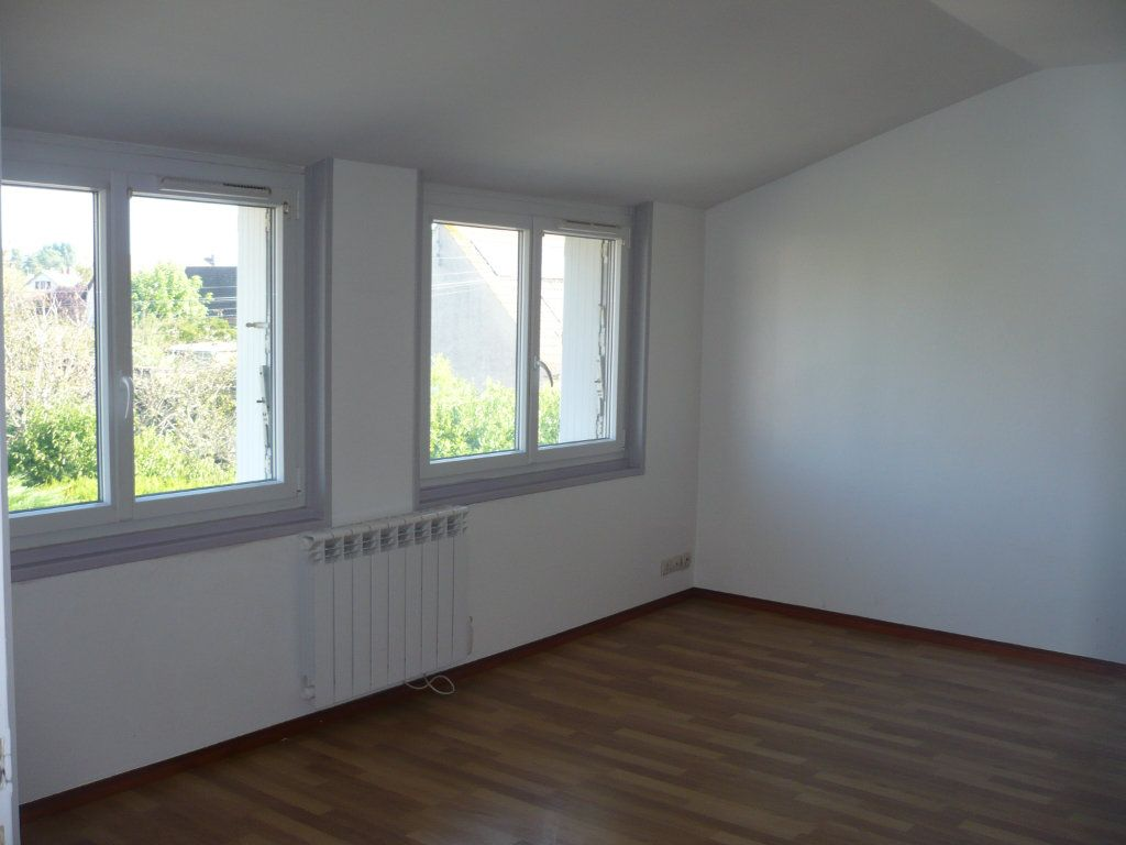 Appartement à louer 2 50m2 à Rouvres-en-Plaine vignette-3