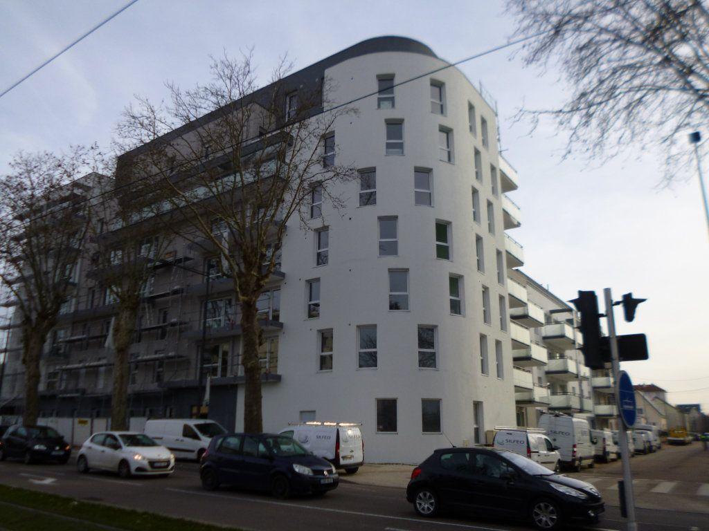 Appartement à louer 1 30.34m2 à Dijon vignette-1