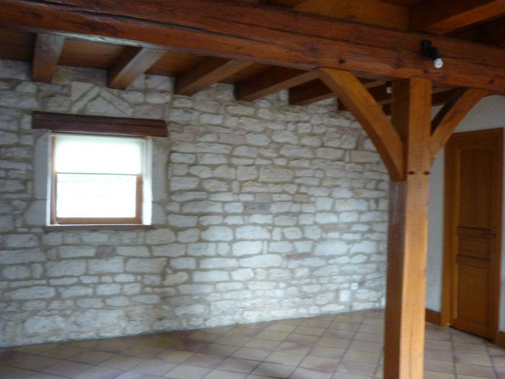 Maison à louer 4 69m2 à Châtenoy-le-Royal vignette-3