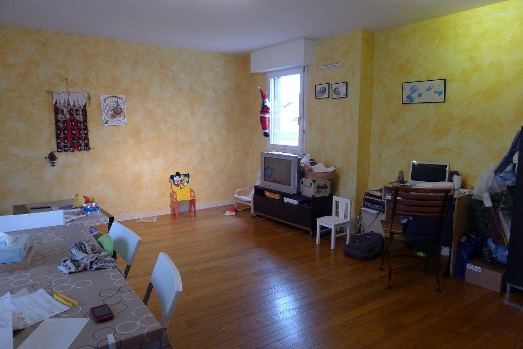 Appartement à louer 4 80m2 à Dijon vignette-2