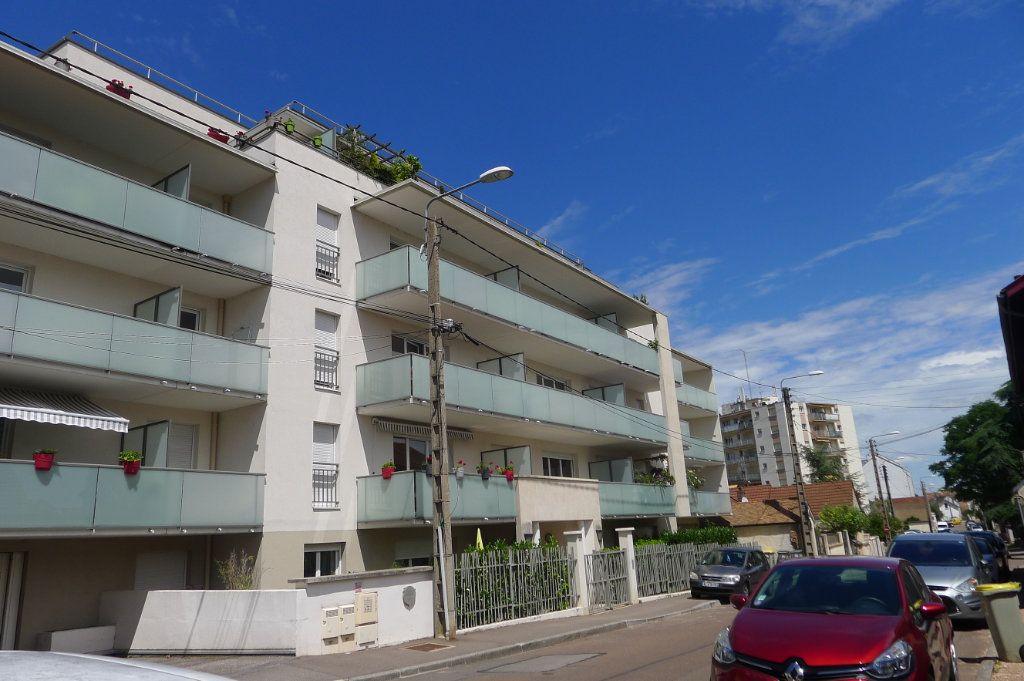 Appartement à vendre 3 53m2 à Dijon vignette-1
