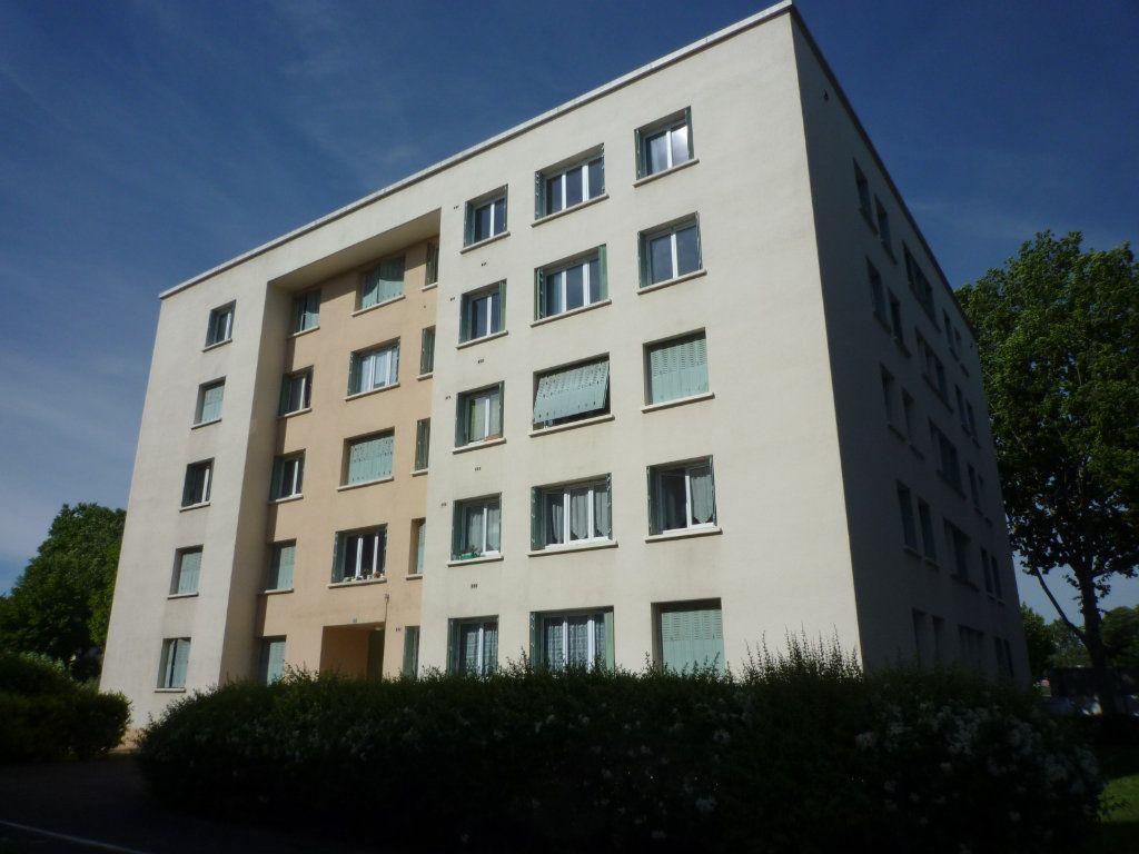 Appartement à vendre 4 73m2 à Dijon vignette-1