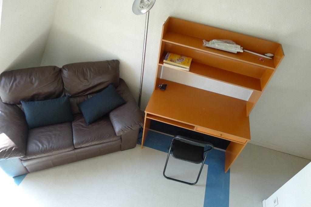Appartement à louer 2 23.29m2 à Dijon vignette-2