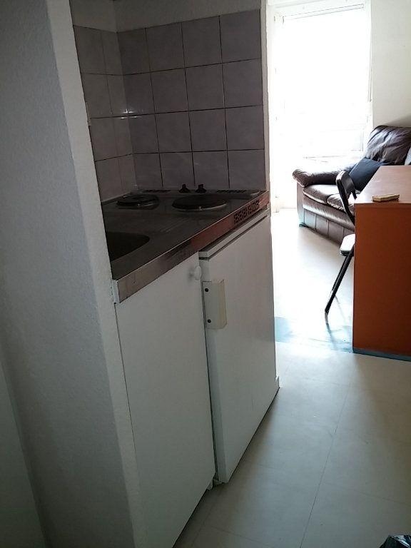 Appartement à louer 2 23.29m2 à Dijon vignette-3