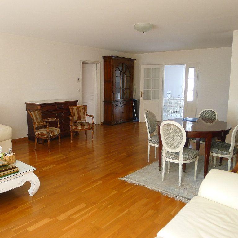 Appartement à louer 5 106.07m2 à Dijon vignette-3