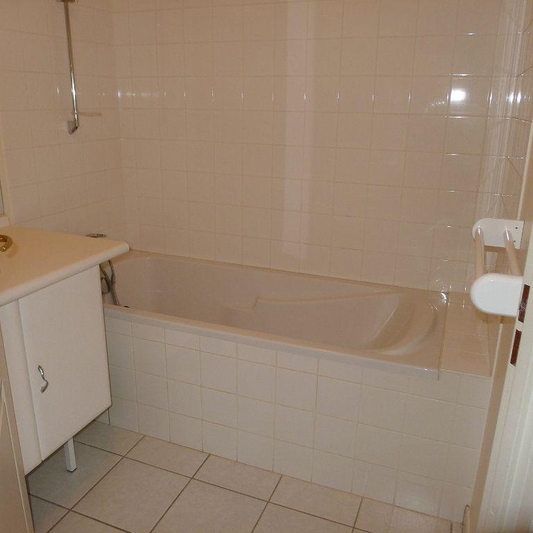 Appartement à louer 5 106.07m2 à Dijon vignette-5