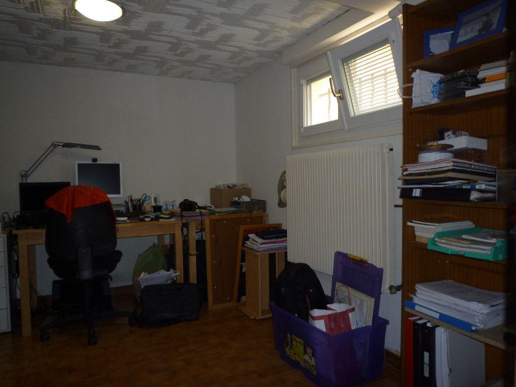 Maison à vendre 6 130m2 à Dijon vignette-12