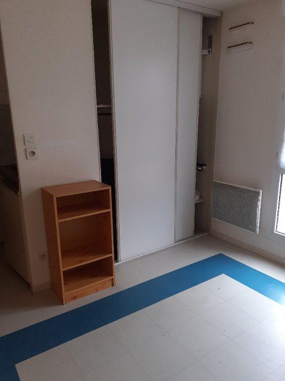 Appartement à louer 1 18m2 à Dijon vignette-4