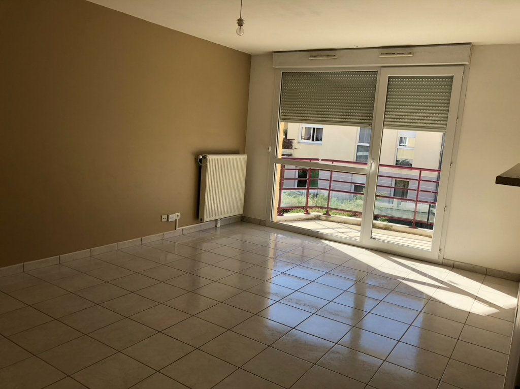 Appartement à louer 2 50.4m2 à Dijon vignette-3