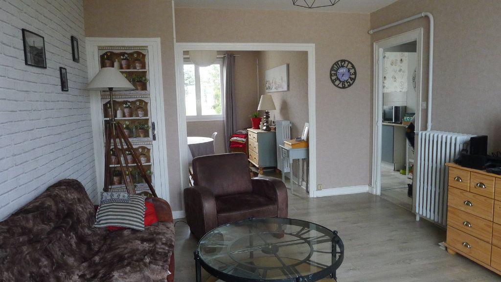 Appartement à vendre 4 63m2 à Dijon vignette-1