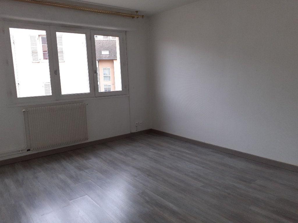Appartement à louer 3 65.89m2 à Dijon vignette-5
