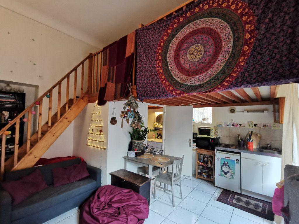 Appartement à vendre 2 35m2 à Dijon vignette-2
