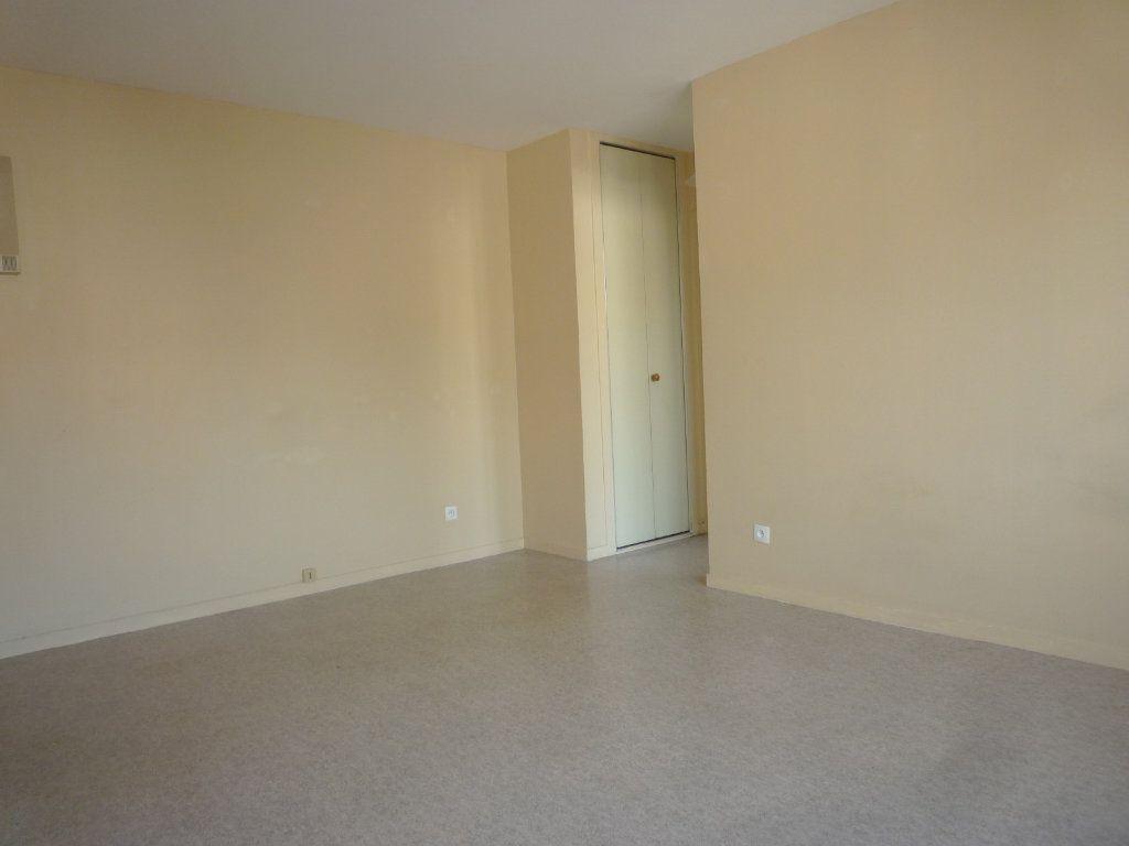 Appartement à vendre 1 28m2 à Dijon vignette-2