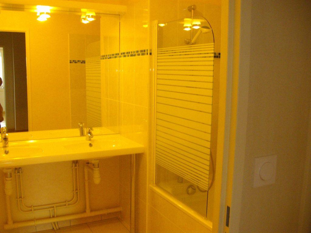 Appartement à vendre 3 60.02m2 à Dijon vignette-9