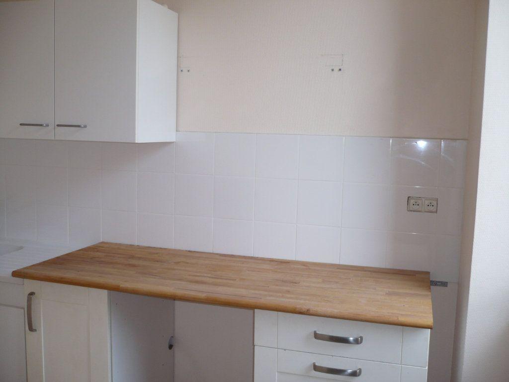 Appartement à louer 2 34m2 à Dijon vignette-2