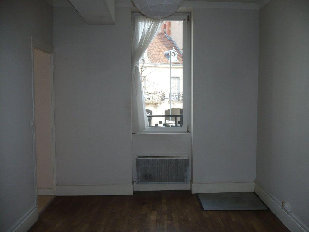 Appartement à louer 2 34m2 à Dijon vignette-3